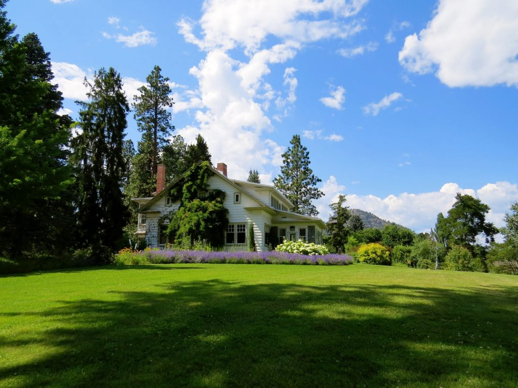 Ottawa lawn care companies